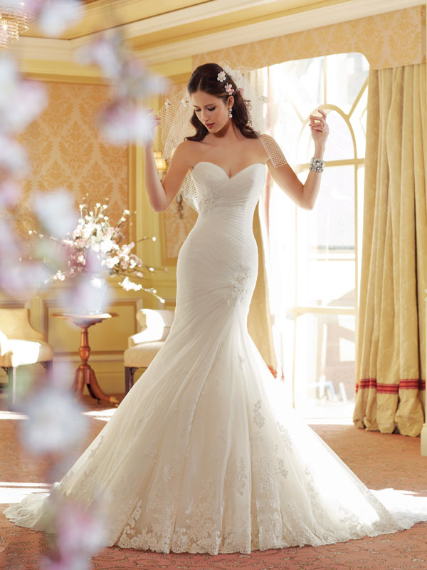Mermaid wedding dress with pleated bodice and Guipure lace - Wedding ...